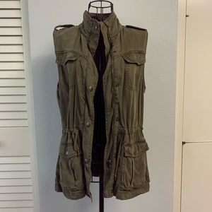 Max Jeans olive/army green zip up vest size XS